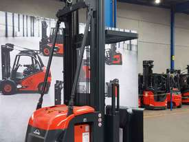Used Forklift:  V10 Genuine Preowned Linde 1t - picture0' - Click to enlarge