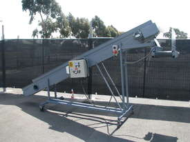 Large Incline Motorised Belt Conveyor - 3.8m long - picture0' - Click to enlarge