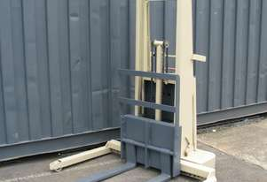 Crown Forklift Manual Walkie Stacker - 15BS64A