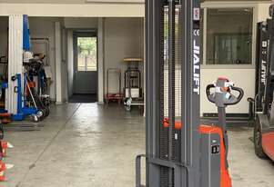 1T Full Electric Walkie Stacker Max Lift Height 3000mm