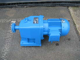Charles & Huntington Electric Gear Motor 1.1kw 30RPM 46.25 Ratio - picture0' - Click to enlarge