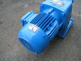 Charles & Huntington Electric Gear Motor 1.1kw 30RPM 46.25 Ratio - picture1' - Click to enlarge
