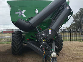 Grain King 41T 50,000 TRI Haul Out / Chaser Bin Harvester/Header - picture0' - Click to enlarge
