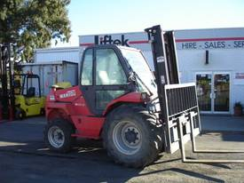 Manitou  M30-4 GET THOSE GRAPE BINS OUT OF THE PA  - picture0' - Click to enlarge