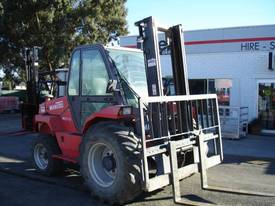 Manitou  M30-4 GET THOSE GRAPE BINS OUT OF THE PA  - picture3' - Click to enlarge