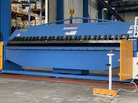 Heavy Duty Industrial 4000mm x 4mm NC Programmable Panbrake Folder - picture0' - Click to enlarge