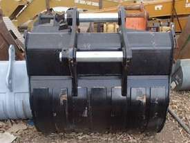 HITACHI EX330GP Bucket-GP Attachments - picture0' - Click to enlarge