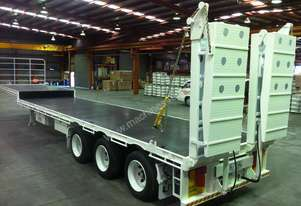 2014 UTA DROP DECK EXTENDABLE WITH HYDRAULIC RAMPS