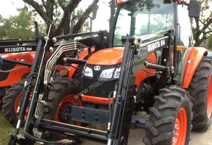 M9540 Kubota with cabin and free level lift loader