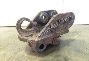 KUBOTA MANUAL HALF HITCH WITH LIFTING EYE 1-2T MINI EXCAVATOR D260