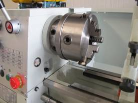 305mm Swing Centre Lathe, 40mm Spindle Bore - picture4' - Click to enlarge
