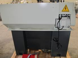 305mm Swing Centre Lathe, 40mm Spindle Bore - picture12' - Click to enlarge