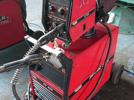 MIG Welder Lincoln CV 420 with LF 33 Separate Wire