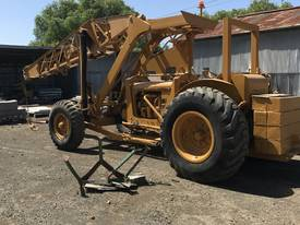 CHAMBERLAIN TRACTOR CRANE - picture1' - Click to enlarge