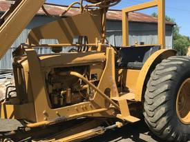 CHAMBERLAIN TRACTOR CRANE - picture3' - Click to enlarge