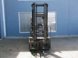 Used  Nissan 2500 kg Forklift  - picture2' - Click to enlarge