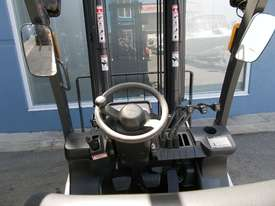 Used  Nissan 2500 kg Forklift  - picture3' - Click to enlarge