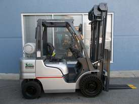 Used  Nissan 2500 kg Forklift  - picture0' - Click to enlarge