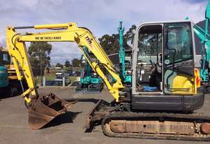2011 5 tonne excavator with multiple buckets
