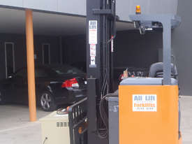 Toyota Sit On Reach Truck - picture0' - Click to enlarge