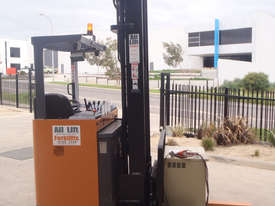 Toyota Sit On Reach Truck - picture1' - Click to enlarge