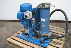 Oil Pump with Heat Exchanger and Filter