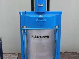 Garbage Compactor - picture1' - Click to enlarge
