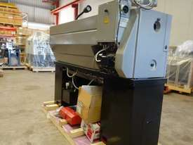 360mm Swing Centre Lathe, 50mm Spindle Bore - picture6' - Click to enlarge