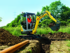 New ET16 rubber tracked excavator - picture2' - Click to enlarge
