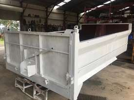 HERCULES 9.5M3 TANDEM STEEL TIPPER BODY - picture9' - Click to enlarge