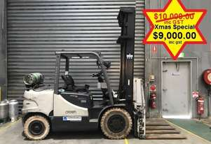 Crown CG35 LPG / Petrol Counterbalance Forklift