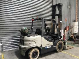 Crown CG35 LPG / Petrol Counterbalance Forklift - picture2' - Click to enlarge