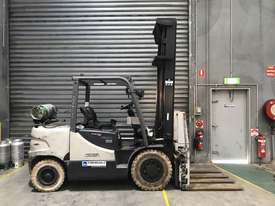Crown CG35 LPG / Petrol Counterbalance Forklift - picture4' - Click to enlarge