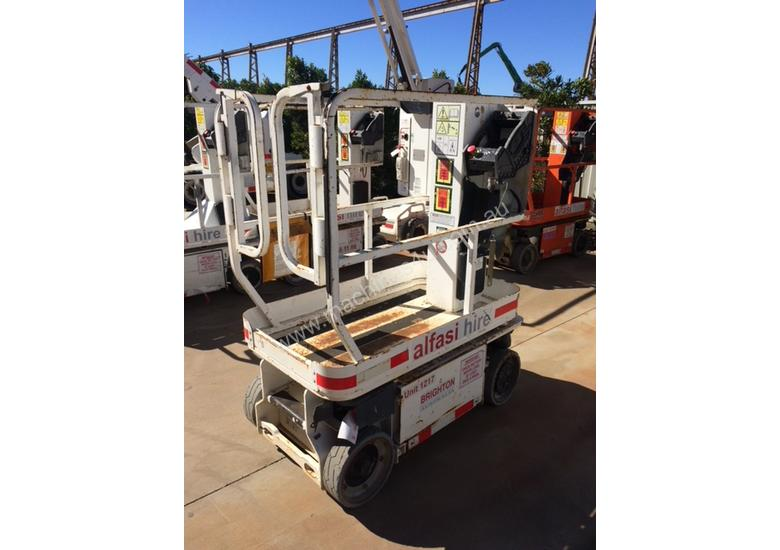 JLG 5.5M Electric Scissor