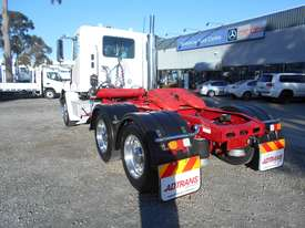 Freightliner Columbia CL112 Primemover Truck - picture8' - Click to enlarge