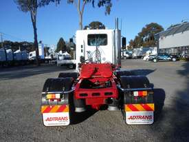 Freightliner Columbia CL112 Primemover Truck - picture9' - Click to enlarge