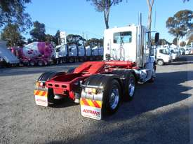 Freightliner Columbia CL112 Primemover Truck - picture13' - Click to enlarge
