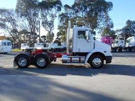 Freightliner Columbia CL112 Primemover Truck - picture17' - Click to enlarge