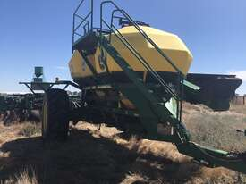 John Deere  Air Seeder Complete Single Brand Seeding/Planting Equip - picture0' - Click to enlarge