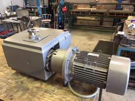 Becker Vacuum Pump - picture0' - Click to enlarge