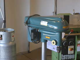 Heavy duty bench drill - picture1' - Click to enlarge