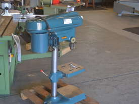 Heavy duty bench drill - picture4' - Click to enlarge