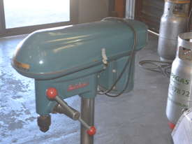 Heavy duty bench drill - picture6' - Click to enlarge