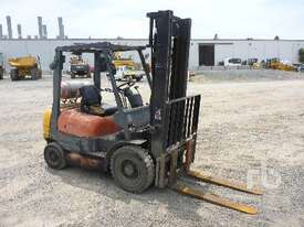 TOYOTA 426FG25 Forklift - picture2' - Click to enlarge