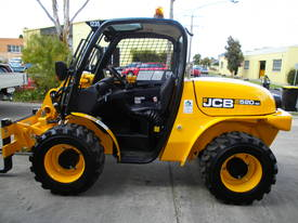 All Terrain Forklift Hire - picture3' - Click to enlarge