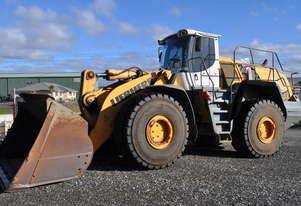 Liebherr   586 Wheel Loader