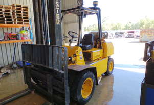 HYSTER FORK LIFT 3500 ton, DUEL WHEELS,