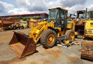 2011 Hyundai HL730-9 Wheel Loader *CONDITIONS APPLY*
