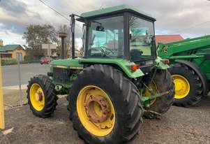 John Deere 2850 MFWD Cab Utility Tractor