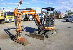 2017 Hitachi ZX33U-5A Rubber Tracked Excavator with Push Blade